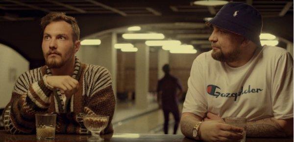 Клип «Быть дауном» от Басты и подопечных Oxxxymiron оскорбил  фонд Эвелины Бледанс