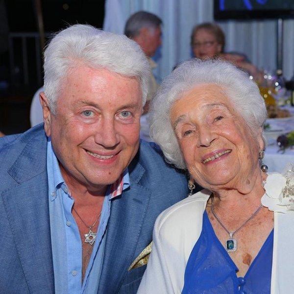 У Владимира Винокура умерла 96-летняя мать