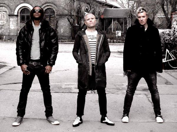 Группа The Prodigy обнародовала новый клип «Need Some1»