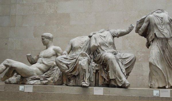 Власти Греции требуют у Великобритании вернуть украденный мрамор Парфенона